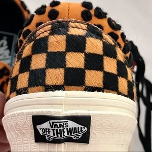 💜HP2💜 NWTB / VANS ~ Unisex /BOLD Classic Sneaker